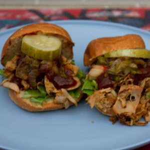 bbq-pulled-jackfruit-sliders-familys-favorite-foods